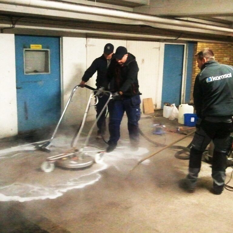 komsol controll innerseal risse beton garage chloride Cleaning reinigen heisses wasser deepclean